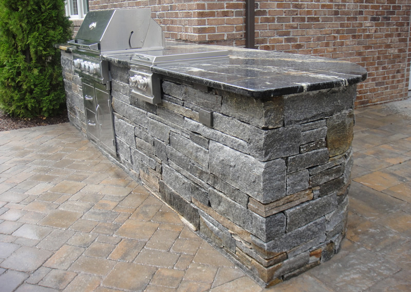 Stones That Are Perfect for an Outdoor Kitchen Countertop Material ...