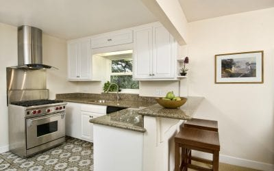 Granite in Small Kitchens Can Be Luxurious